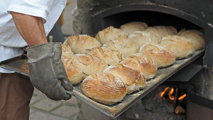 Frisch aus dem Ofen schmeckt Brot am besten.