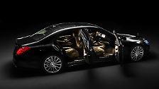Auch deshalb hat Mercedes diese S-Klasse zuerst als 5,25-Meter-Langversion entwickelt und dann erst die kürzere Variante abgeleitet.