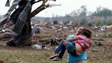 Apokalyptische Bilder aus Moore: Dutzende Todesopfer nach verheerenden Tornados