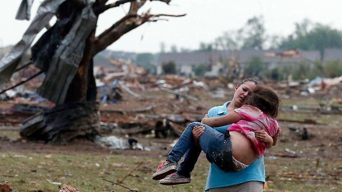 Dutzende Todesopfer soll der Tornado in Moore gefordert haben - diese beiden haben überlebt.