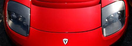 E wie Euphorie: Investor kippt Wette - Tesla-Kurs zieht an