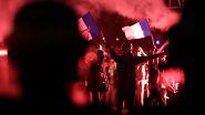 Heftige Proteste gegen Homo-Ehe: Chaoten hüllen Paris in Rauch