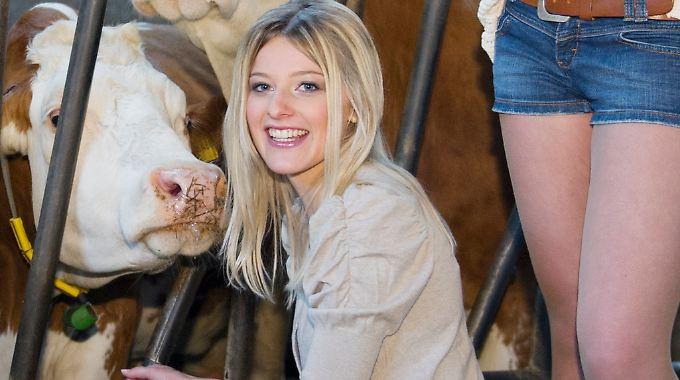 Eva Maria gefällt der Kuhstall.