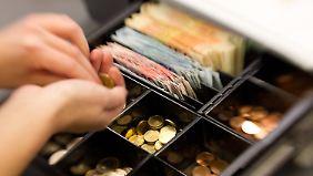 Niedrige Preise locken Käufer: Sorge vor Deflation noch unbegründet