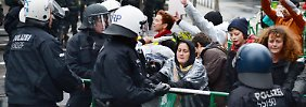 Video: Kapitalismus-Kritiker besetzen Frankfurter Bankenviertel