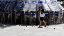 """""""Der Einsatz von Pfeffergas durch die Sicherheitskräfte war ein Fehler"""", sagte Erdogan nach den Protesten."""