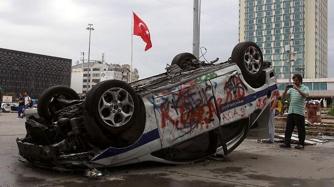 Gewaltsamer Protest in der Türkei: Erdogan gibt nach