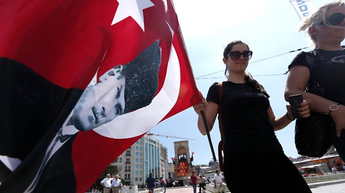 Demonstranten in Istanbul.