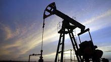 Markt kämpft mit der Ölschwemme: Brent fällt unter 50 Dollar