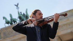 Geigenspiel vor historischem Ambiente: David Garrett.