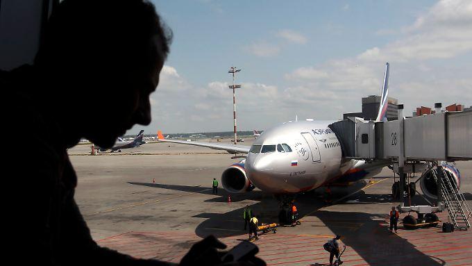 Ist er in dieser Maschine? Ein Passagierflugzeug der Aeroflot mit Ziel Kuba auf dem Moskauer Flughafen Scheremetjewo.