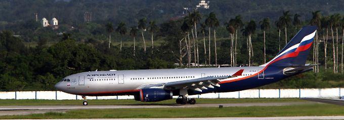 Die Aeroflot-Maschine aus Moskau nach ihrer Landung in Havanna: Viele Journalisten waren an Bord, Snowden konnten sie nicht entdecken.