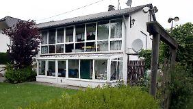Das Wohnhaus des mutmaßlichen LKW-Snipers. Im Garten waren die Pistolen versteckt.