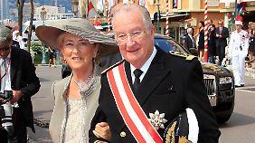 König Albert II. und Königin Paola bei der Hochzeit von Fürst Albert II. und Fürstin Charlène in Monaco.