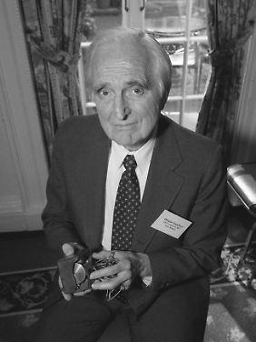 Douglas Engelbart (1925-2013)