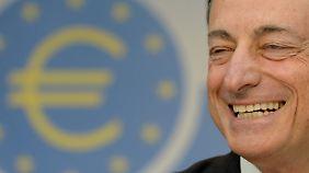 EZB bleibt im Krisenmodus: Draghi verspricht dauerhaft niedrige Zinsen