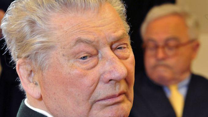 Seit gut einem Jahrzehnt beschäftigte die Pleite des Konzerns des inzwischen verstorbenen Leo Kirch (l.) die Justiz.