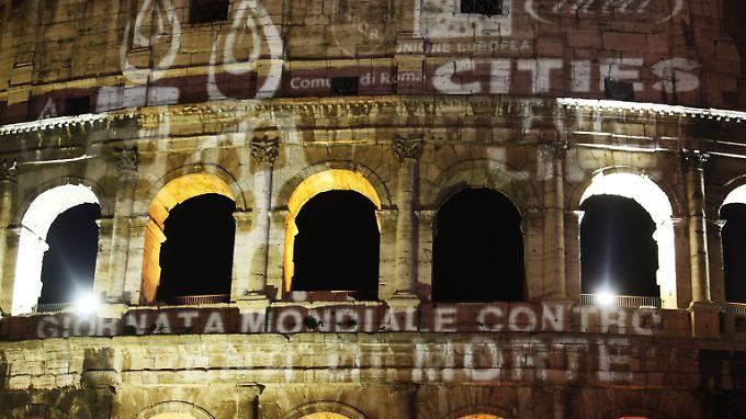 Ein Schuldenberg, der am Jahresende bei 129 Prozent des Bruttoinlandsprodukts liegen soll, bringt S&P dazu, Italiens Bonität unter die Lupe zu nehmen.
