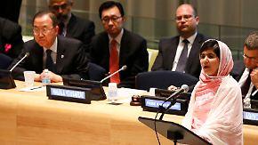 16-jähriges Taliban-Opfer spricht vor der UNO: Malala fordert Bildung