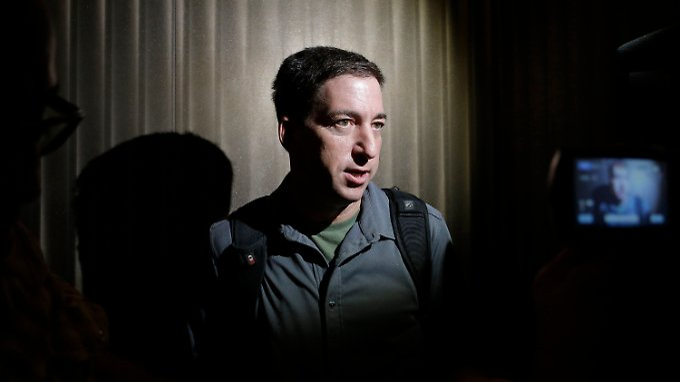 """Der Journalist des """"Guardian"""", Greenwald, hat die ersten Enthüllungen Snowdens veröffentlicht."""