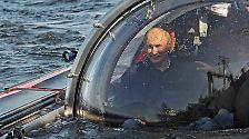 ... und lässt sich in James-Bond-Manier auf den Meeresboden bringen.
