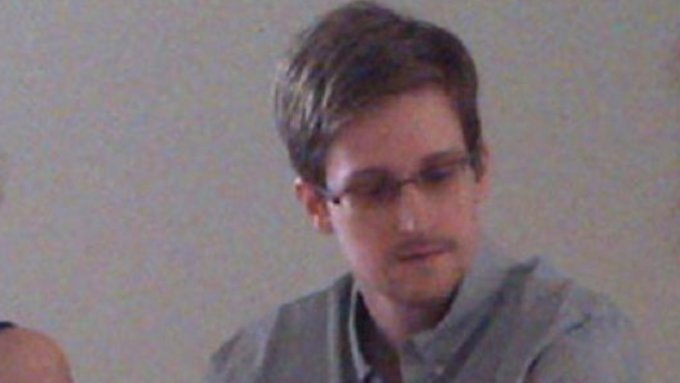 Die USA wollen Snowden vor Gericht bringen - in ihren Augen ist er ein Verräter.