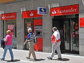 Die Banco Santander macht wieder ordentlichen Gewinn.