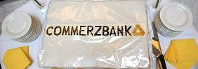 Kleiner Gewinn, große Freude: Anleger bejubeln Commerzbank