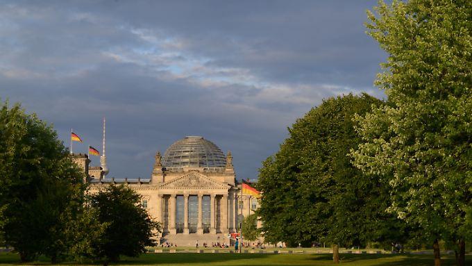 Wer im Bundestag arbeitet, hat oft noch genug Kapazitäten für einen Zweitjob.