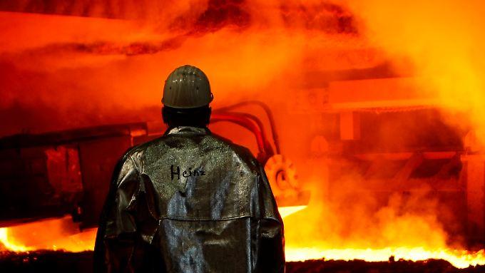 Eisernes Sparen bei ThyssenKrupp: Die 20.000 Stahlkocher müssen alle deutliche Abstriche beim Einkommen hinnehmen.