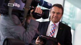 Hans-Peter Friedrich am Mittwoch im Bundeskabinett.