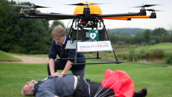 Im Notfall kommt es auf jede Minute an - Drohnen könnten den entscheidenden Zeitvorteil bringen.
