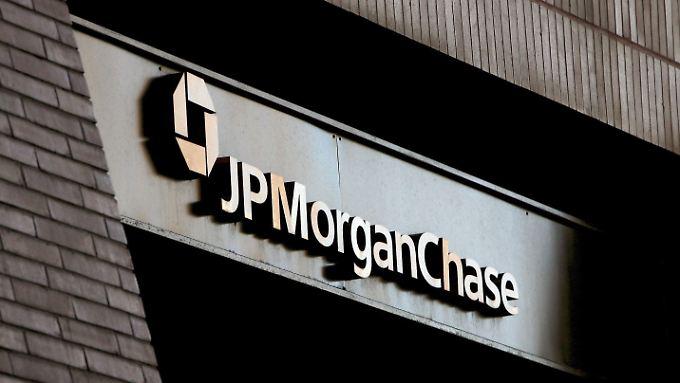 Die spanische Polizei hat einen der drei mutmaßlich für die Milliardenverluste bei JP Morgan verantwortlichen Händler festgenommen.