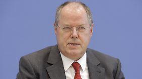 Allen Umfragen zum Trotz: Peer Steinbrück hat was vor