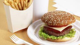 Fastfood-Menüs im Test: Zu fett und zu salzig, aber das Fleisch ist gut