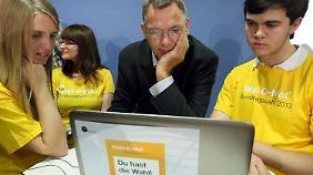 Linken-Politiker und Testperson Jan van Aken