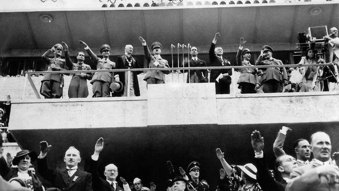 Olympia-Gewinnern überreichte Hitler 1936 Setzlinge einer Eiche.