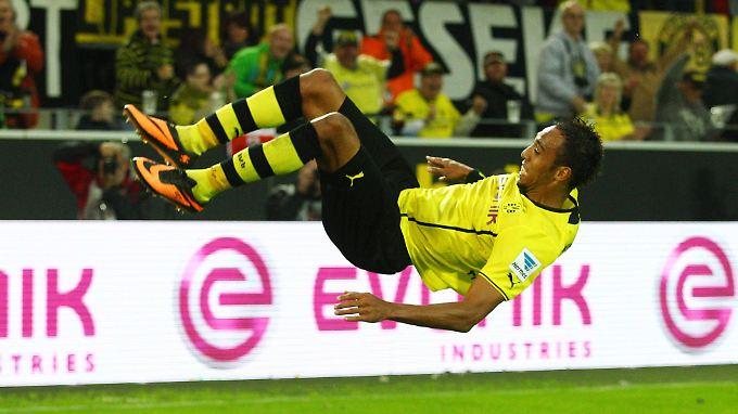 Höhenflug ohne Abzüge in der B-Note: Der schnellste Mann der Bundesliga, Pierre-Emerick Aubameyang.