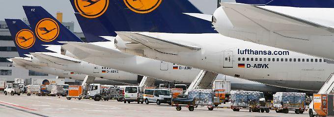 Milliardenschwere Flottenplanung: Die Lufthansa sortiert vor allem ihre Spritfresser mit vier Triebwerken aus.