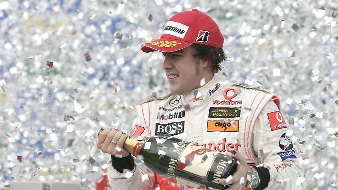 Für Mercedes holte Alonso in 17 Rennen 4 Siege.