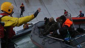 Die russische Küstenwache beendete die Protestaktion gewaltsam.