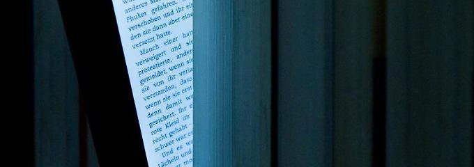 Das Licht von E-Book-Geräten kann die innere Uhr ungünstig beeinflussen.