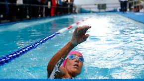 64 Jahre alte Extremsportlerin: Diana Nyad schwimmt 48 Stunden nonstop