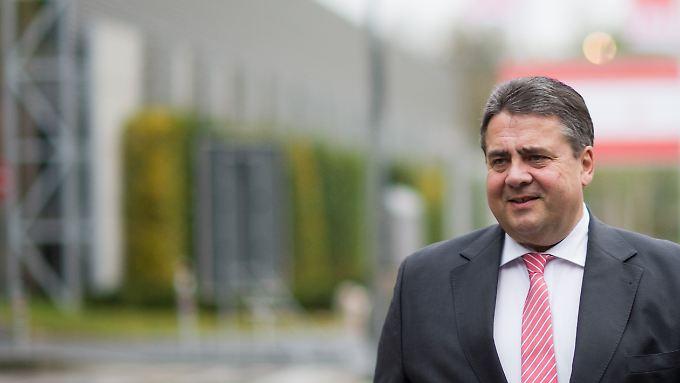 Gabriel will die SPD-Mitglieder von seinem Kurs überzeugen.