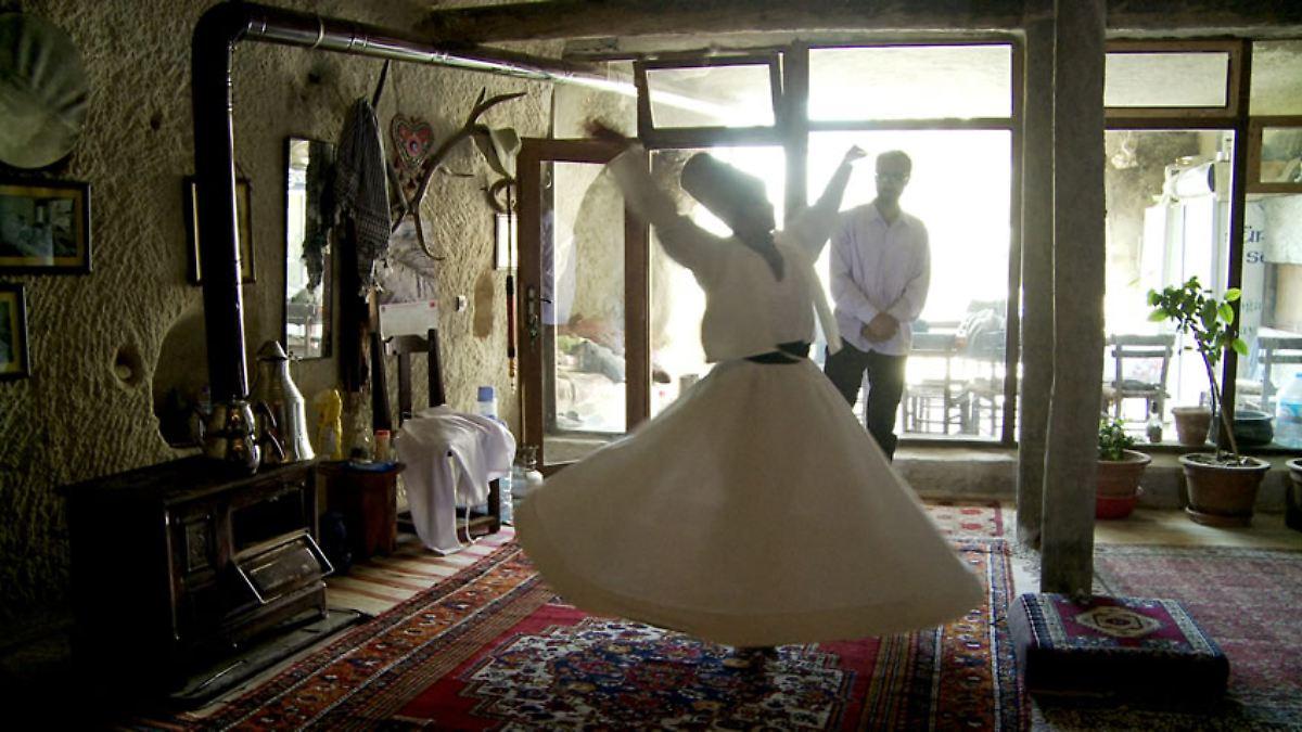 kostenlos wohnen in aller welt film global home zeigt. Black Bedroom Furniture Sets. Home Design Ideas