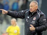 Es ist eine kleine Sensation: Das Team von Trainer Bernd Schröder schaltet den Topfavoriten Olympique Lyon nach dem 0:1 im Heim-Hinspiel mit einem 2:1 im Rückspiel aus. Nun dürften die Potsdamerinnen weiter vom dritten Europapokal-Triumph nach 2010 und 2005 träumen.