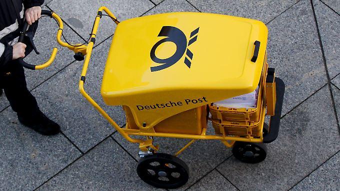 Erst Anfang dieses Jahres hatte die Deutsche Post das Porto für Briefe auf 58 Cent erhöht. Nun folgt bereits eine weitere Steigerung. Diesmal soll allerdings ein glatter Betrag rauskommen.