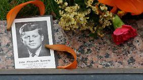 Blutiges Hemd nie gewaschen: Kennedy-Attentat lässt Dallas nicht los
