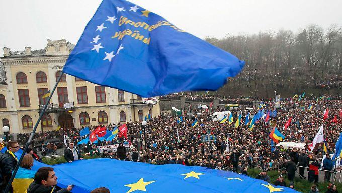 Die Ukraine soll sich der EU annähern, fordern diese Demonstranten