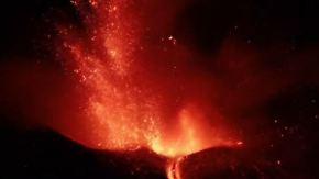 Schön, lästig und gefährlich: Ätna schleudert wieder Lava in den Himmel